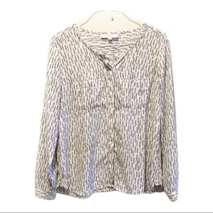 Loft collarless button front printed blouse